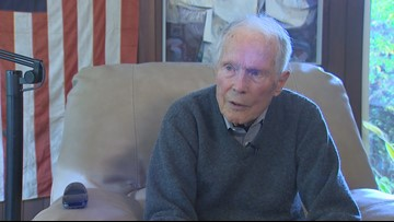 'Be good citizens': WWII veteran shares message, history lesson to younger generations