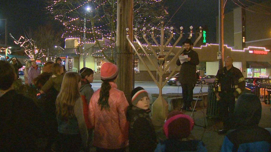 Giant menorah returns to Seattle park for start of Hanukkah