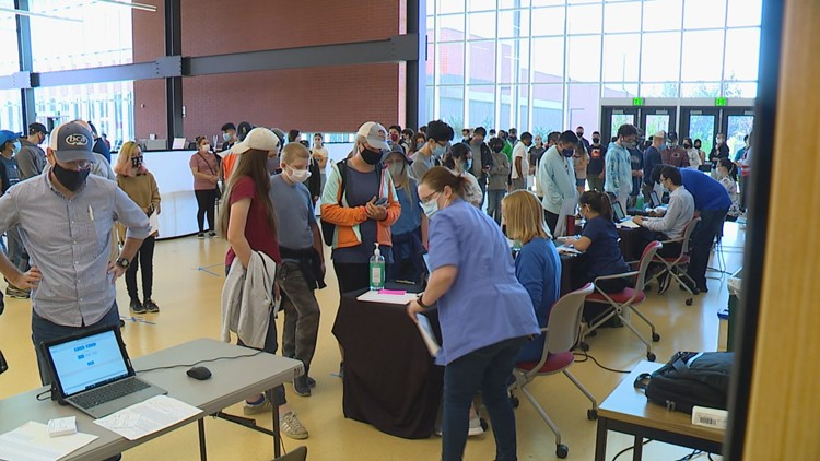 More than 800 teens get first vaccine at Bellevue School District pop-up clinic