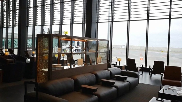 paine field lounge
