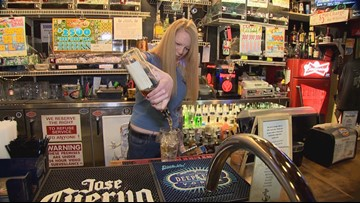 5 Star Dive Bars - The Tug Inn - KING 5 Evening
