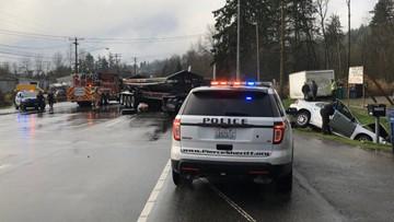 1 killed, 2 injured in Federal Way crash