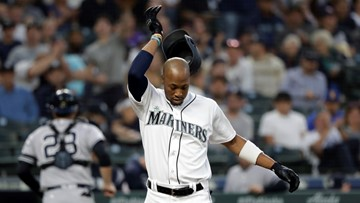 M's Broxton banned 2 games after batting glove toss hits ump