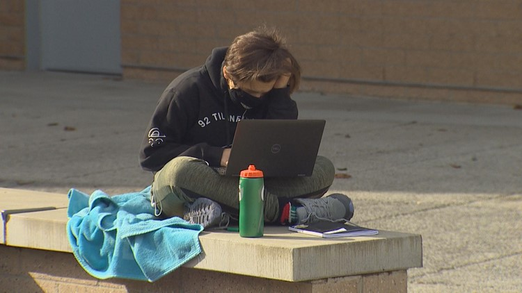 Bellevue students and parents protest ongoing remote learning