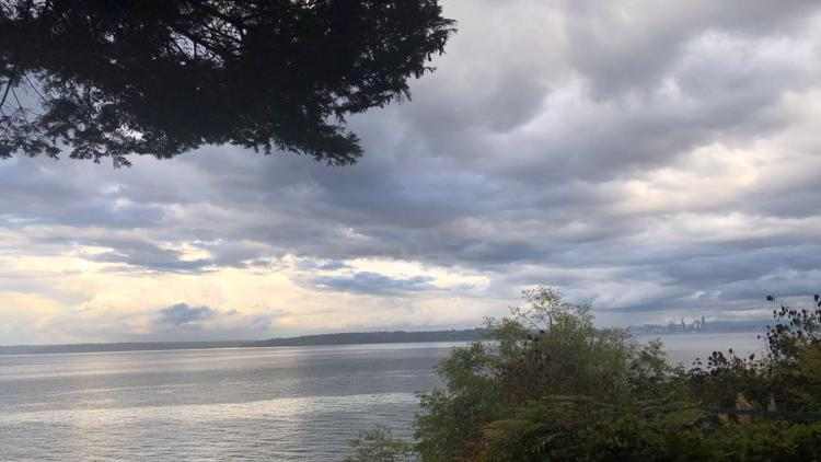 Timeline: Rain tapers off Monday for western Washington