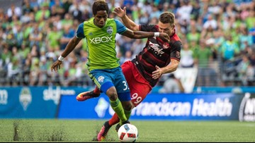 Sounders sign defenders Arreaga, Jones ahead of deadline