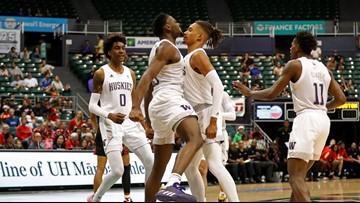 White Jr and Mills help Houston upset No. 21 Washington