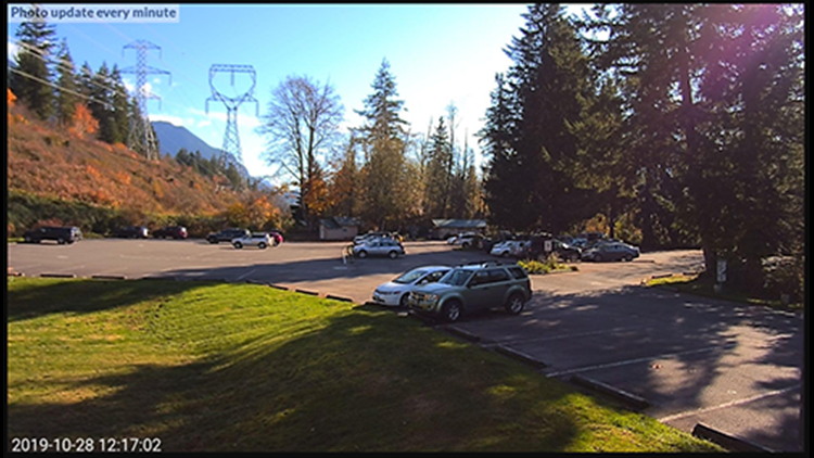 Wallace Falls State Park parking lot