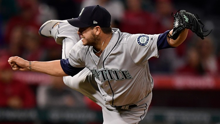 Mariners trade Swarzak to Atlanta for Vizcaino, Biddle