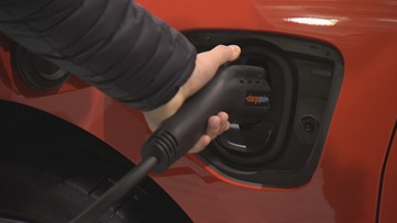 Seattle International Auto Show plugs in to electric vehicles - KING 5 Evening