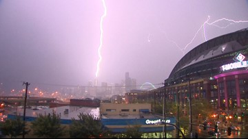 Lightning appears to strike Seattle's Rainier Square Tower in second thunderstorm this week