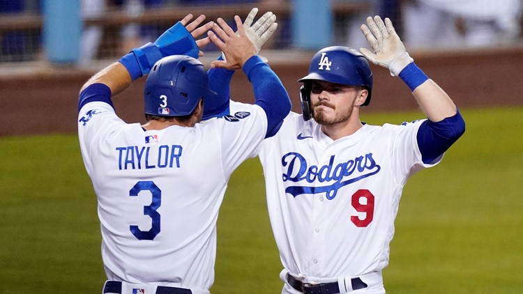 Lux's 3-run homer in 8th rallies Dodgers past Mariners 6-4