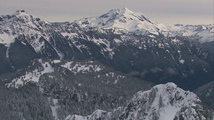 Scientists seek clues on last eruption at Glacier Peak, Washington's 2nd most active volcano