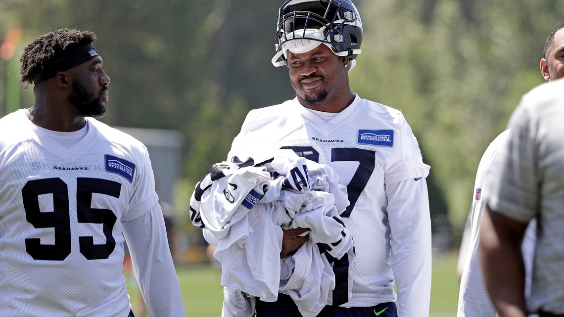 Rookies report to Seahawks training camp, 5 not ready to practice
