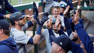 Mariners hold on to beat Angels 6-5