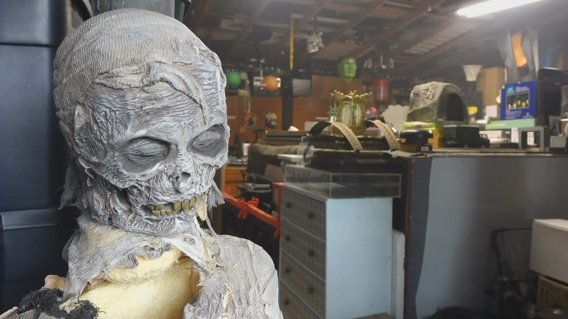 Federal Way family celebrates Halloween all year long with this haunted attraction