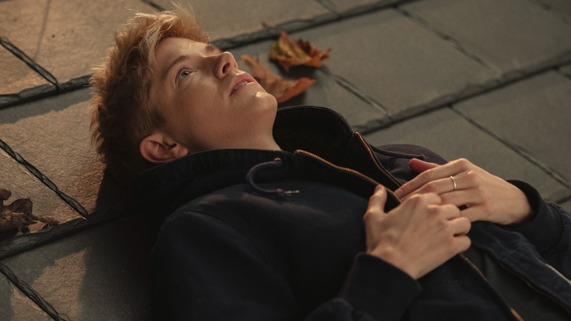 Netflix series 'Feel Good' offers honest, humorous glimpse into the life of a non-binary comedian