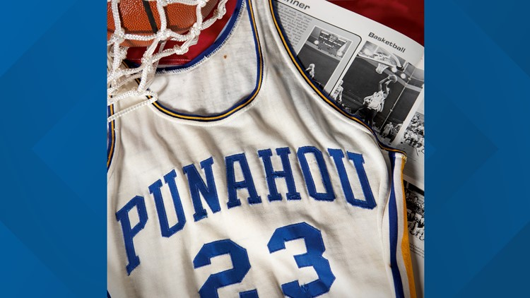 Seattle man auctions Obama high school basketball jersey for $120,000