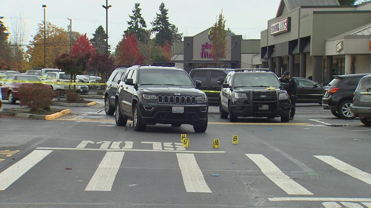 Police investigate shooting in Safeway parking lot in Des Moines