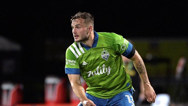 Jordan Morris hurt for Swansea, leaves on stretcher