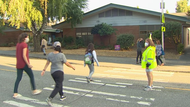 School zone traffic frustrates Seattle parents as in-person classes return