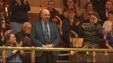 'Hero' bus driver honored by Washington state Senate