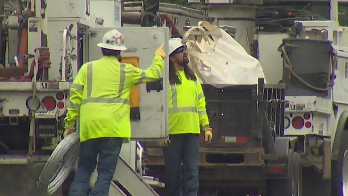 Crews work to restore power across western Washington