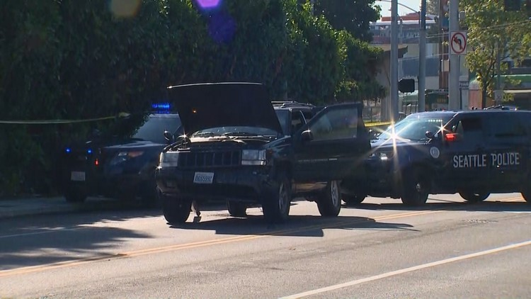 Car chase ends in South Seattle