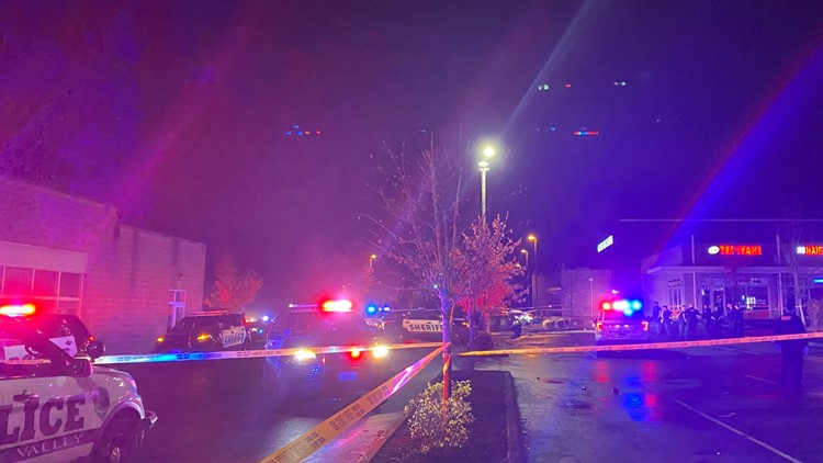 Four people injured after shooting in Renton banquet hall