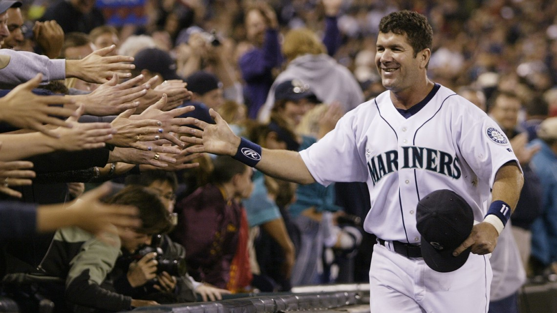 Mariners legend Edgar Martinez voted into Baseball Hall of Fame
