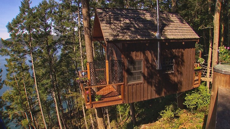 Sleep in the trees at this Lopez Island retreat
