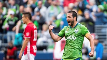Own goal, Lodeiro's brace lift Sounders past Red Bulls, 4-2