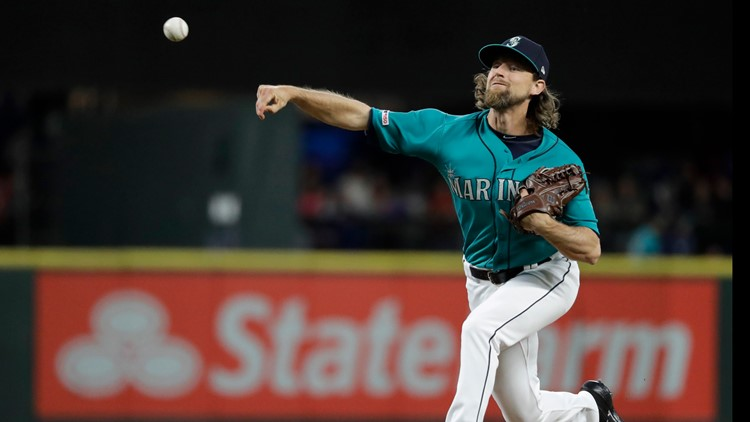 Mariners' Leake loses perfect game try in 9th, blanks Angels