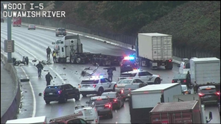 All lanes of northbound I-5 reopen in Tukwila after semi-truck crash