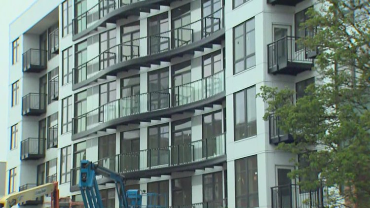 Everett leads US in new apartment sizes, study says
