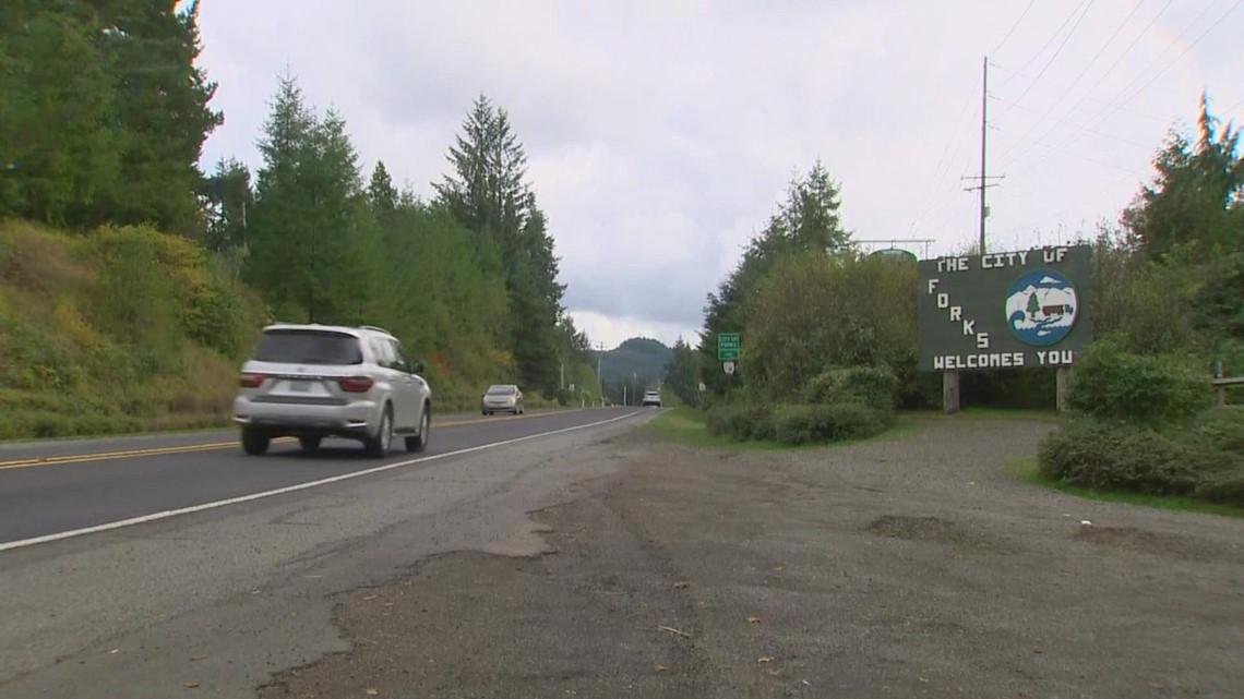 Forks community shaken by crash that killed 3 teens, injured 2