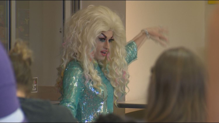 Drag Queen Story Hour draws mixed reaction at King County library