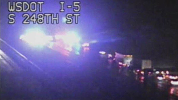 Southbound I-5 in Kent now open after police standoff