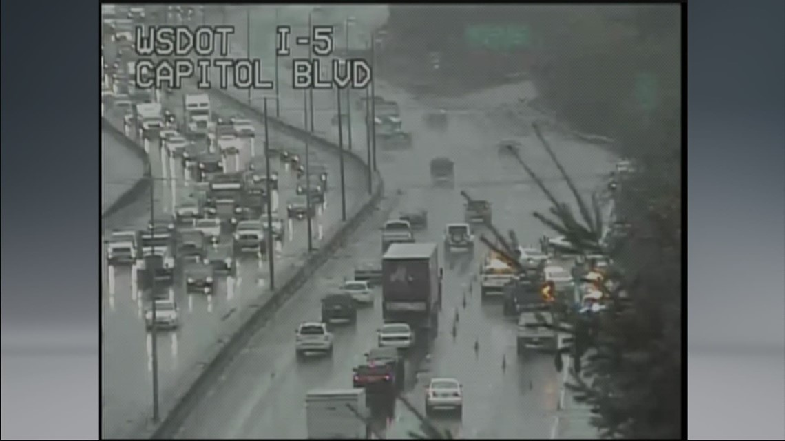 I-5 lanes blocked near Olympia
