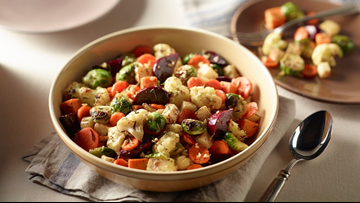 Enjoy holiday meals without giving up your healthy habits