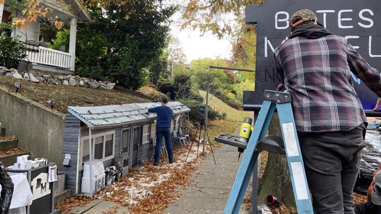 Mini Bates Motel pops up in Seattle's Queen Anne neighborhood