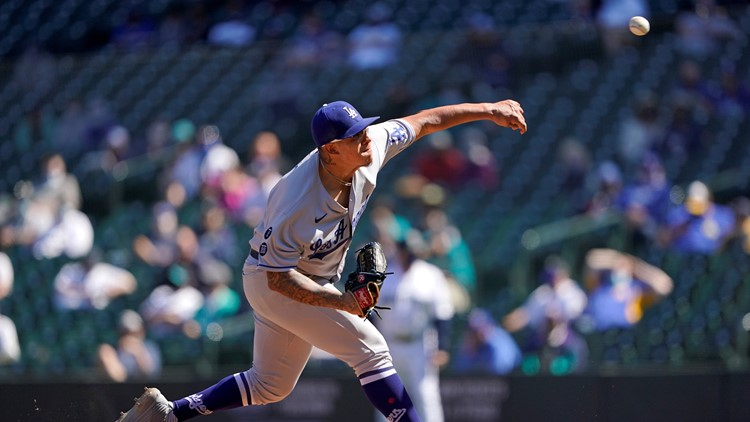 Urías dominates as Dodgers pull out 1-0 win over Mariners