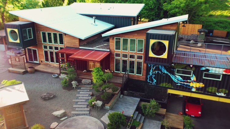 Modern home made of shipping containers hits the market in Vancouver - Unreal Estate