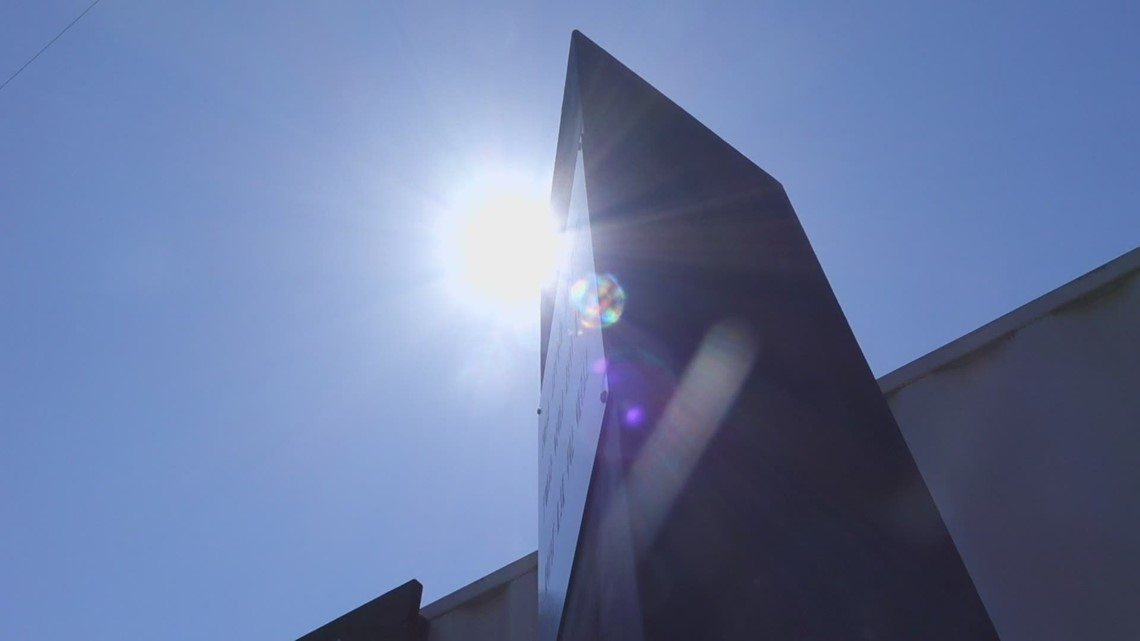 Mysterious metal obelisk appears in Des Moines