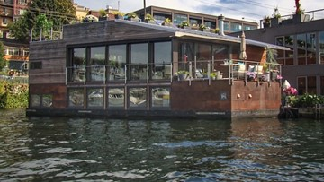 Lake Union houseboat for sale is the ultimate water retreat - Unreal Estate