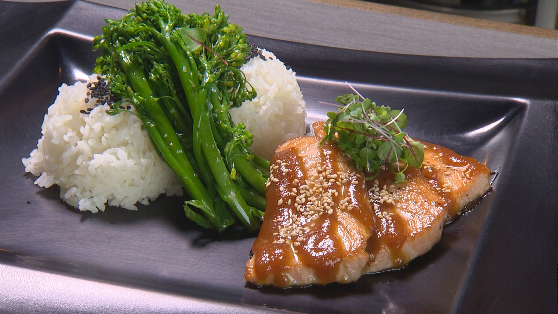 Upscale Hawaiian Food For Reasonable Prices In Kirkland Yes