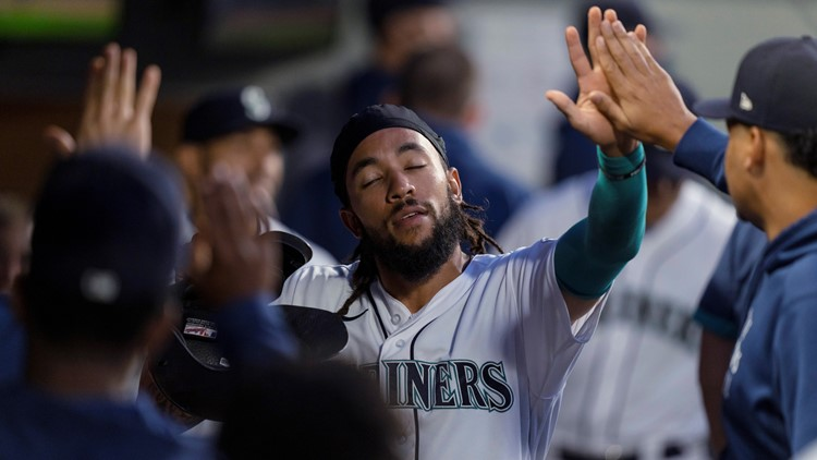 Mariners pounce on Twins early, cruise to 10-0 victory