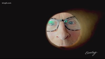 Toilet paper roll moon selfie - That's a Thing?!