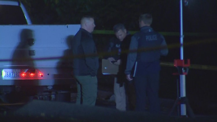 Suspect at large following deadly early morning shooting in Puyallup