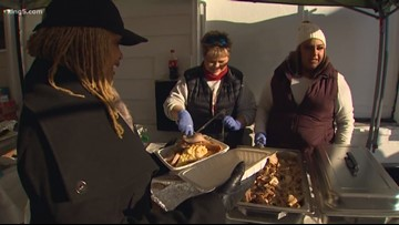 Tacoma volunteers host Thanksgiving dinner before tent ban
